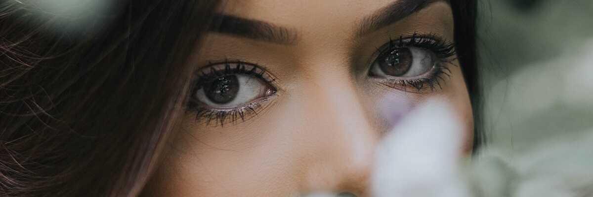 jak na vrásky pod očima